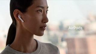 Cười đau bụng với ý tưởng chống rớt tai AirPods độc đáo của một thanh niên tại Mỹ