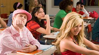 Hai ngôi sao 'High School Musical' tái hợp trong MV mới