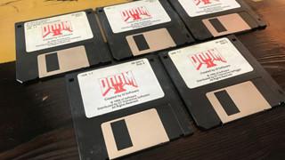 Choáng với bộ đĩa mềm cài Doom II được đấu giá hơn 3000 USD