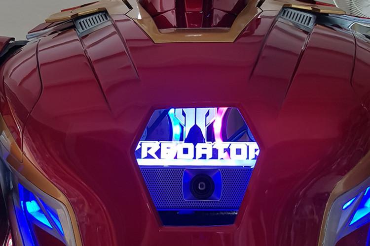 Xuất hiện cỗ máy tính siêu khủng mang hình dáng Iron Man tuyệt đẹp