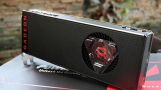 """""""Đập hộp"""" RX Vega 64 - Card đồ họa cao cấp đến từ AMD"""