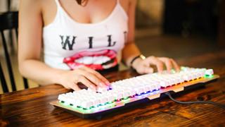 Các loại bàn phím cơ 'đổi màu' cực đẹp giá lại rẻ cho game thủ Việt lựa chọn