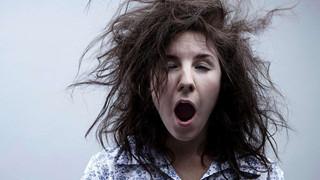 Ứng dụng báo thức siêu độc bắt bạn cười mới tắt âm báo thức được