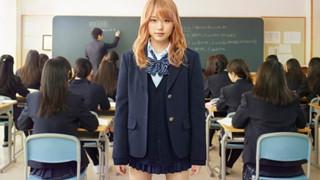 Bạn có bao giờ thắc mắc tại sao nữ sinh Nhật Bản vẫn mặc váy ngắn trong những ngày đông giá rét?