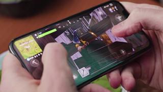 Fortnite Mobile và PUBG Mobile khiến các trường học khốn đồn vì học sinh giành toàn bộ thời gian nghỉ để chơi game