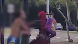 Deadpool bất ngờ đánh sấp mặt một người đàn ông ở Úc