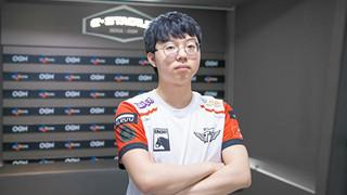 LMHT: Tân binh của SKT khen ngợi Faker hết lời, thi đấu vô cùng thoải mái trước ROX