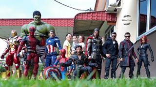 Sốc với bộ ảnh chụp chung với một dàn siêu anh hùng đồ sộ có một không hai