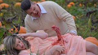 Bộ ảnh chào mừng em bé sắp sinh của cặp vợ chồng và cái kết thật... bàng hoàng