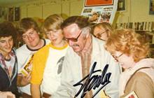 Ngày Stan Lee mất, 1 chủ tiệm bán truyện tranh ở California xúc động chia sẻ câu chuyện của mình