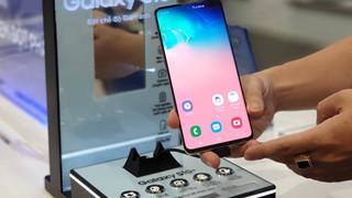 Trên tay nhanh Samsung Galaxy S10 đầu tiên tại Việt Nam