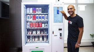 Xiaomi sử dụng máy bán hàng tự động để bán điện thoại tại Ấn độ