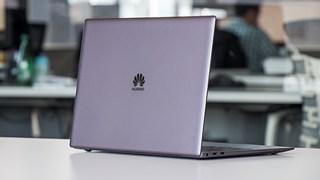 Microsoft âm thầm ngừng bán laptop Huawei, có khả năng chặn Windows
