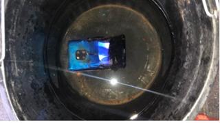"""Huawei lại """"gặp đen"""" khi Mate 20 Pro bốc cháy tại rạp hát tại Anh"""