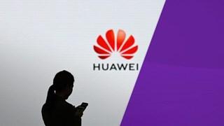 Quản lý ngân sách Nhà trắng muốn hoãn lệnh cấm với Huawei thêm hai năm