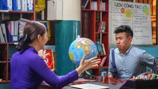 Ekip Anh thầy ngôi sao tung trailer hé lộ tình cảnh thảm thương của Huyme khi ra đảo dạy học