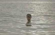 Tổng hợp bộ Meme về Đen Vâu và meme anh chàng trồi đầu trên mặt nước