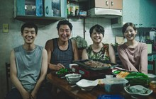 Ký sinh trùng cháy vé sneakshow, trở thành phim Hàn có doanh thu chiếu sớm cao nhất Việt Nam