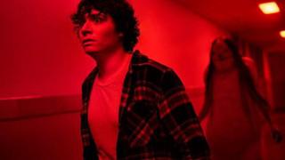 Chủ nhân tượng vàng Oscar Guillermo del Toro trở lại với dàn quái vật ám ảnh trong trailer Chuyện kinh dị lúc nửa đêm