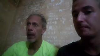 Nam streamer siêu lầy, bị bắt vô tù nhưng vẫn vô tư livestream cho người hâm mộ xem