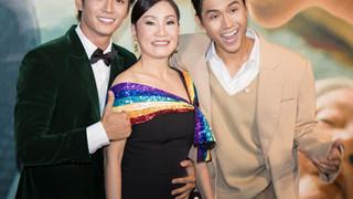Hồng Đào diện trang phục bảy sắc, rạng rỡ tại sự kiện ra mắt phim đam mỹ Thưa mẹ con đi