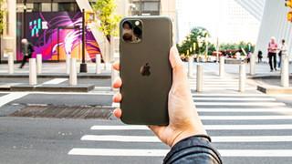 iPhone 11 Pro Max bất ngờ được đánh giá là smartphone xịn sò nhất thế giới