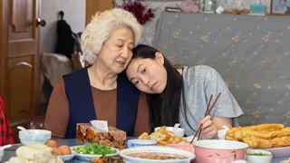Lời từ biệt: Bản giao hưởng gia đình Á Đông đầy màu sắc