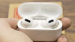 Trên tay nhanh tai nghe AirPods Pro có mặt đầu tiên tại Việt Nam có mức giá hơn 7 triệu đồng
