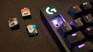 Bàn phím cơ Logitech G PRO X với khả năng thay Switch một cách dễ dàng