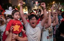 Việt Nam thắng đậm Campuchia, Phố đi bộ Nguyễn Huệ vỡ oà