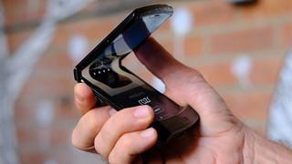 Vì không đủ sản phâm, Motorola buộc dời ngày phát hành smartphone Razr sang năm 2020