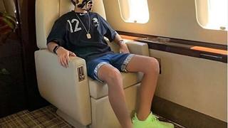 Nhìn hội Rich Kid phòng chống dịch bệnh: Đi chuyên cơ riêng, đeo khẩu trang giá hàng triệu đồng