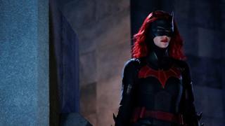 Batwoman của Warner Bros bất ngờ hoãn ghi hình vì tai nạn nghiêm trọng tại phim trường