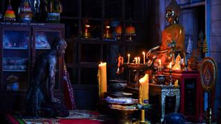 Ngôi đền kỳ quái 2: Phim hài - kinh dị Thái lại khuấy đảo phòng vé