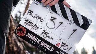 Jurassic World 3: Vừa tái khởi động lại phải ngưng sản xuất vì Covid-19