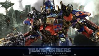 Loạt series bom tấn Transformers đổi đạo diễn mới