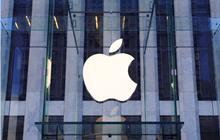 """Apple đệ đơn kiện một thương hiệu nước đóng chai vì """"mượn"""" logo nhãn hiệu """"Táo khuyết"""" của mình"""