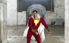 Shazam 2 chính thức hé lộ các bộ giáp siêu anh hùng được thiết kế lại, hứa hẹn một phần phim đậm tính nghệ thuật hơn.