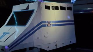 Người cha hệ ghiền phim: Làm hẳn một không gian Star Wars trong chiếc xe tải để con mình vui chơi