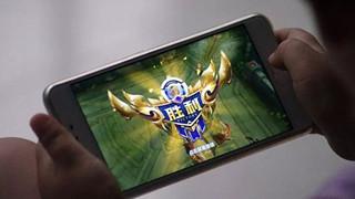 """Cổ phiếu Tencent trượt dốc sau khi truyền thông nhận định videogame là """"thuốc nghiện tinh thần"""""""